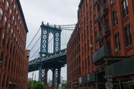 Photo pour Manhattan Bridge day time landscape, New York - image libre de droit