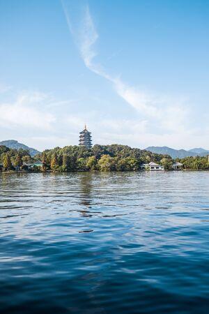 Photo pour West Lake Landscape, Hangzhou, China - image libre de droit