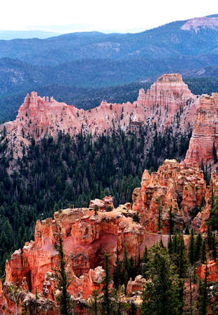 bryce red rock ridges