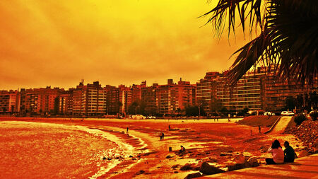 Photo pour Digital photo edited of people enjoying the day in part of the boardwalk in the city of Montevideo in Uruguay - image libre de droit