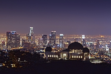 Griffith Observatory at Night with Downtown L.A. Background HDR Wideの素材 [FY31011430728]