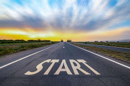 Photo pour Start text on road at sunset - image libre de droit