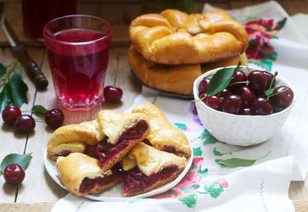 Photo pour Traditional homemade Romanian and Moldovan pies - Placinta, served with wine. Rustic style. - image libre de droit