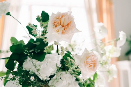 Foto für beautiful floral arrangement of delicate rose flowers and fresh greenery in the design of the wedding table - Lizenzfreies Bild