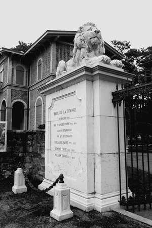 Main entrance to Parc de la Grange, Geneva, black and white