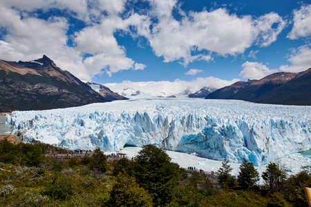 Photo pour Perito Moreno glacier in Argentine Patagonia - image libre de droit