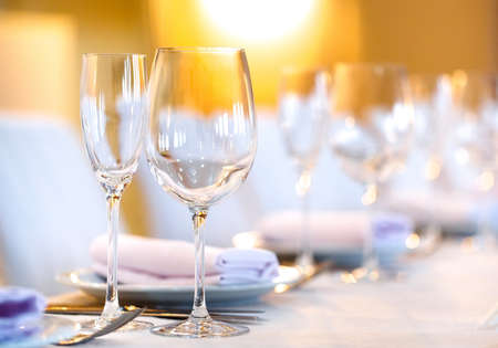 Photo pour beautifully served table in a restaurant on a white tablecloth - image libre de droit