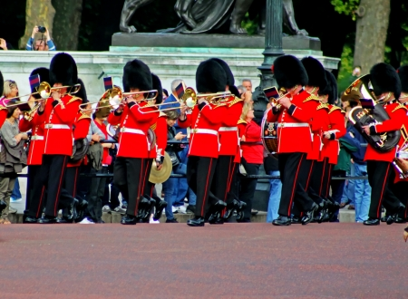 Marching Grenadier Guards 3