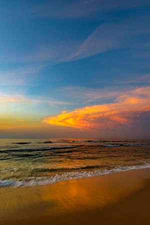 Photo pour beautiful calm color sunset of the Caribbean in fine weather - image libre de droit