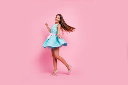 Foto de Full length body size view portrait of her she nice-looking attractive adorable exquisite stunning cheerful straight-haired lady having fun dancing isolated over pink pastel background - Imagen libre de derechos