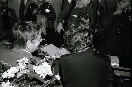 COPENHAGEN/DANMARK /DENMARK. ( File Photos  of late swedish primeminister Olof Palme) Swedids late primemminister Olof Palme social democrate 4 weeks  before his session death  in stockhom, with Norwegian former prime minister MS. Gro Harlem Bruntlund in