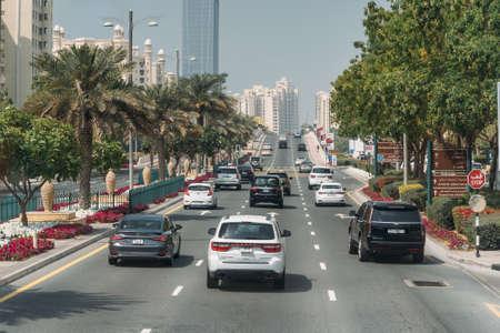 Photo pour DUBAI, UAE - February 2020: Traffic on Dubai road with many cars. Dubai Marina street. - image libre de droit