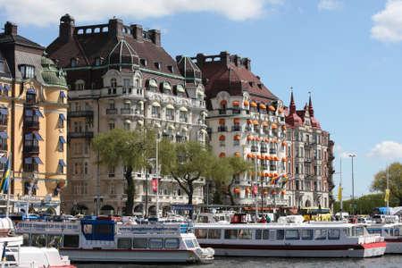 Stockholm, Schweden - 15. Mai 2013: Stockholm City - ber?e Strandv?n - mit Hotels und Luxus-Wohnungen