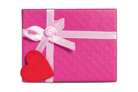 Photo pour Pink gift box with heart. Isolated on white background - image libre de droit