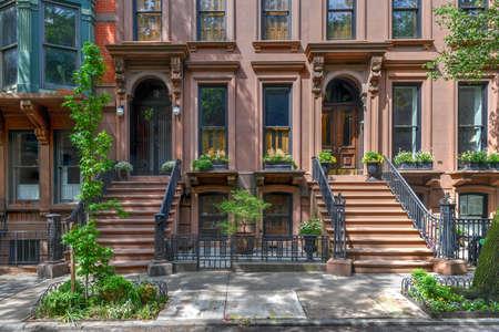 Foto de Brownstone building in Brooklyn Heights, Brooklyn, New York City - Imagen libre de derechos