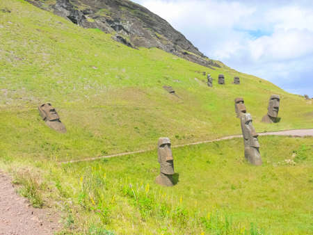 Photo pour Statues of the gods of Easter Island. Ancient statues of ancient civilization on Easter Island. - image libre de droit