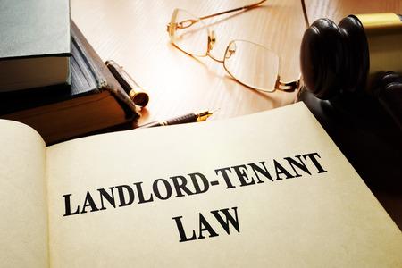 Photo pour Landlord-tenant law on an office table. - image libre de droit