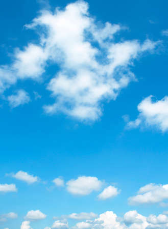Photo pour The vast blue sky and clouds sky - image libre de droit