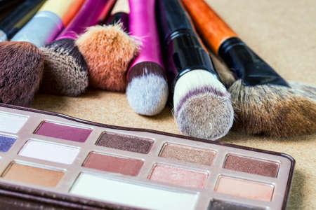 Photo pour Makeup brushes - image libre de droit