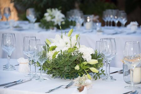 Photo pour Flower decoration for a wedding - image libre de droit