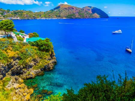 Photo pour View of the Lipari Island, Italy - image libre de droit