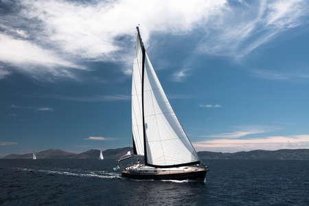 Photo pour Luxury sailing. Sailboat in the regatta in the Aegean Sea. - image libre de droit