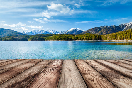 Photo pour Wooden planks European nature background with lake in Alps, Germany - image libre de droit