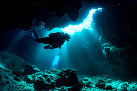 Photo pour Underwater Cave in Miyakojima - image libre de droit