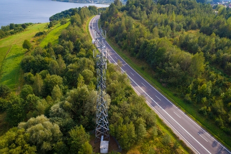 Photo pour Aerial view of a cellular network relay located in Polish mountains - image libre de droit