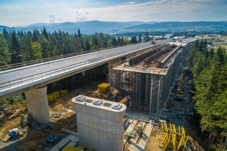 Photo pour Aerial drone view on highway road under construction. Construction of the viaduct on the national road number 7 in Poland - image libre de droit