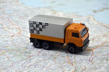 Foto de concept small white toy car on italy map - Imagen libre de derechos