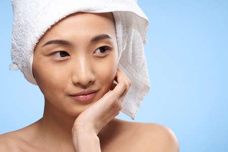 Photo pour pretty woman towel on head clean skin health close-up - image libre de droit