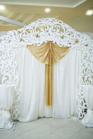 Foto für Wedding beautiful arch for the wedding ceremony of the newlyweds - Lizenzfreies Bild