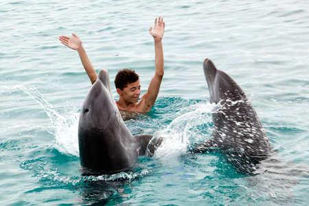 Photo pour Our happy time on a tropical island - image libre de droit