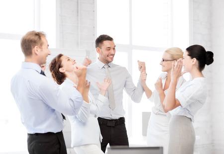 Photo pour business concept - picture of happy business team celebrating victory in office - image libre de droit