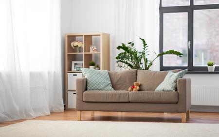 Photo pour sofa with cushions at cozy home living room - image libre de droit