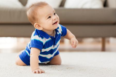 Photo pour babyhood, childhood and people concept - sweet little asian baby boy - image libre de droit