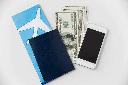 Photo pour air ticket, money, smartphone and passport - image libre de droit