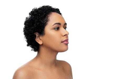 Photo pour portrait of young african american woman - image libre de droit