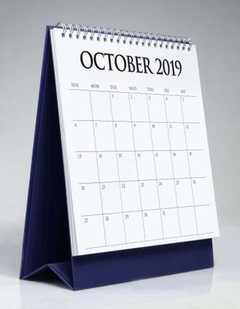 Foto per Simple desk calendar for October 2019 - Immagine Royalty Free
