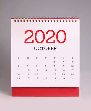 Foto per Simple desk calendar for October 2020 - Immagine Royalty Free