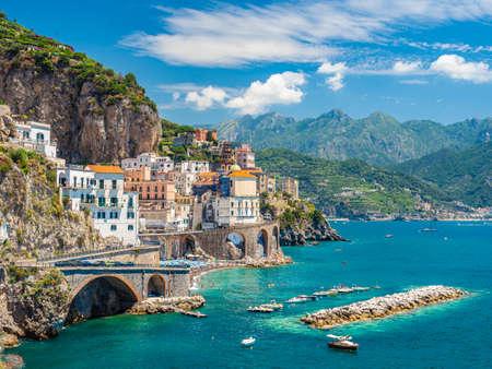 Foto de Landscape with Atrani town at famous amalfi coast, Italy - Imagen libre de derechos