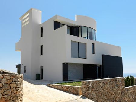 Foto de External view of a contemporary house modern villa - Imagen libre de derechos