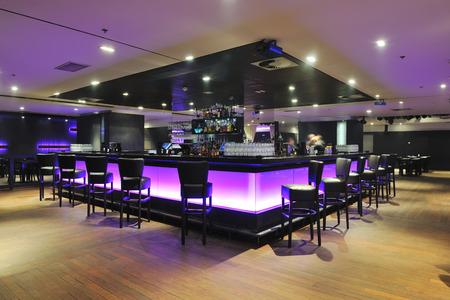 Photo pour modern design club restaurant bar indoors - image libre de droit