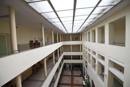 Foto de empty university collage school lobby back to school in coronavirus time - Imagen libre de derechos