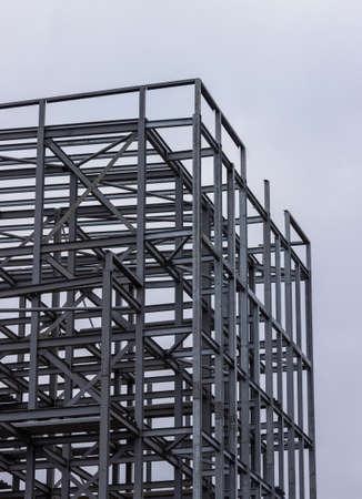 Photo pour Metal frame of a builing in Glasgow, Scotland - image libre de droit