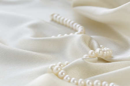 Photo pour silk fabric with pearls - luxury background - image libre de droit
