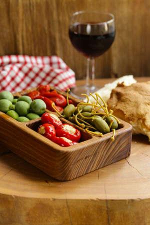 Foto de Italian antipasti snacks for wine and cheese - Imagen libre de derechos