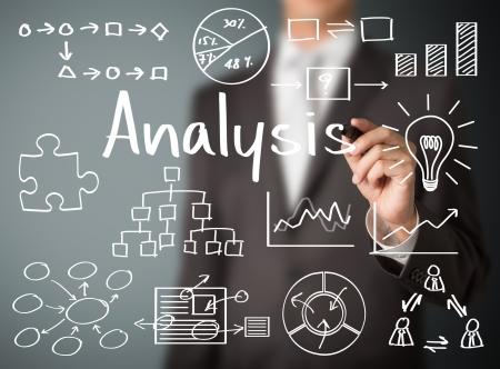 Photo pour business man writing data analysis - image libre de droit