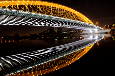 Foto de Troja Bridge in Prague. Beautiful night cityscape view - Imagen libre de derechos